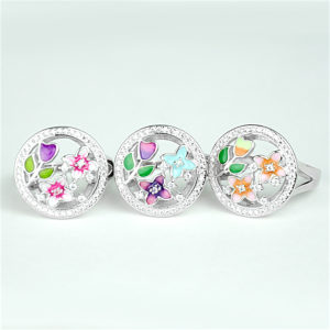срібна каблучка з різнокольоровою емаллю квіточки