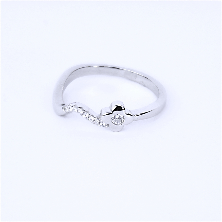 Срібна каблучка, квіточка з фіанітовою доріжкою